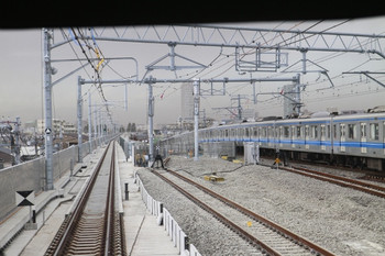 2014年1月26日、石神井公園,、大泉学園方の駅構内ハズレ。左側の電留線は昨日は右側の電留線と並行に伸びていました。下り列車最前部から撮影。