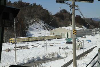2014年2月22日、横瀬、車庫と廃車の3000系4両。