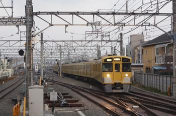 2014年3月18日 5時58分頃、保谷、2番線に到着する2063Fの上り回送列車。