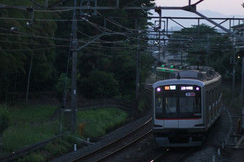 2014年6月1日、元加治~飯能、東急 5165F。