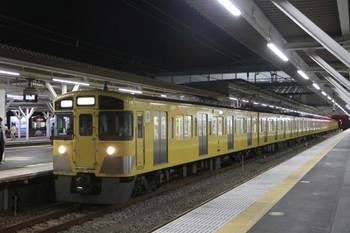 2014年8月2日 21時32分頃、所沢、2番ホームで折り返しを待つ2519F+2521Fの下り回送列車。