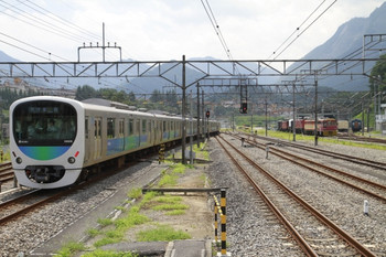 2014年8月3日、横瀬、発車した38106Fの5024レ。