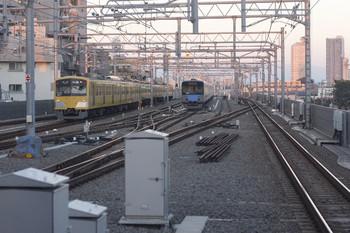 2014年10月28日、石神井公園、3009Fの5203レと6番線で留置中の20153F。