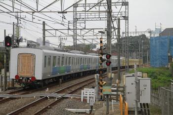 2014年11月9日、西所沢、10時47分ころに3番ホームを通過した30104Fの飯能方5両。