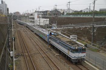 2014年11月9日 8時49分頃、新秋津、EF65-2090に牽引され到着する西武30104F。
