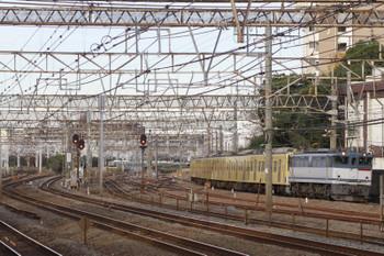 2014年12月15日 14時50分頃、鶴見、EF65-2083+西武3007Fの下り貨物列車。