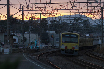 2014年12月15日 16時21分頃、大磯、EF65-2083+西武3007Fの下り貨物列車。