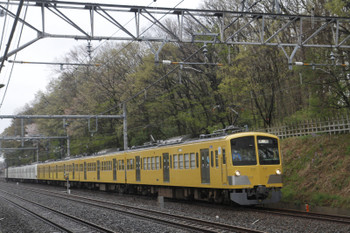 2015年4月5日 12時11分ころ、新秋津〜所沢、所沢駅へ向かう263F+1249F。