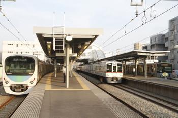 2015年7月12日 17時40分、東長崎、4003F+4007Fの下り回送列車。