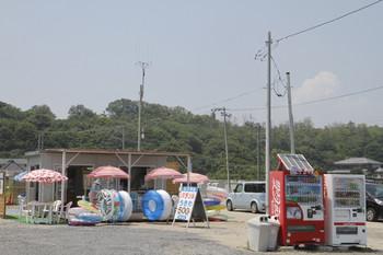 2015年8月1日、阿字ヶ浦海水浴場前の売店?