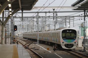 2015年9月16日 5時58分頃、石神井公園、3番ホームから6番線へ入る38103F回送列車。