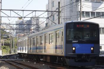 2015年10月26日、高田馬場~下落合、2325レの20107F。