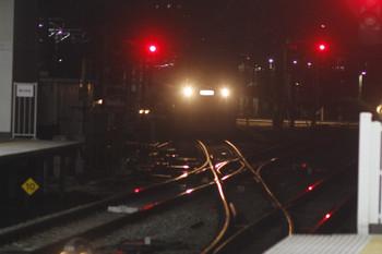 2015年11月29日 5時30分ころ、所沢、飯能方から1番ホームへ入る10108Fの回送列車。