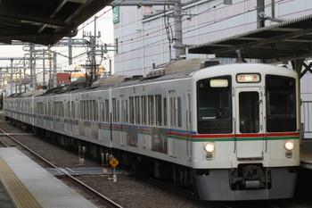 2015年12月6日 6時54分頃、椎名町、4005F+4003Fの上り回送列車。
