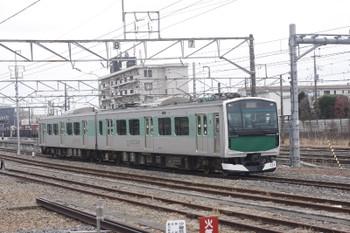 2016年3月13日、宝積寺、発車した1333MのEV-E301系。