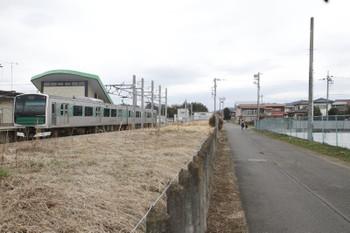 2016年3月13日、烏山、EV-E301系。