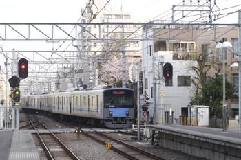 2016年4月9日 6時26分頃、東長崎、4番ホームから発車した20158Fの下り回送列車。