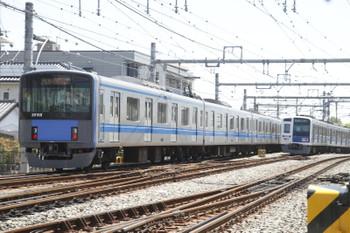 2016年5月8日 10時56分頃、飯能、4番ホームから発車した西武秩父ゆき20158Fと6109Fの4118レ。