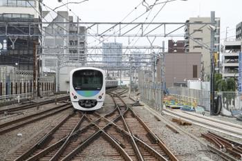 2016年6月1日8時42分頃、池袋、7番ホームから発車した38111F+32104F(飯能->)の下り回送列車。