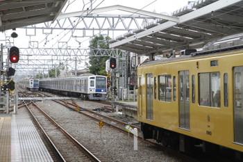 2016年6月1日6時29分ころ、清瀬、中央奥が6112Fの上り回送列車。