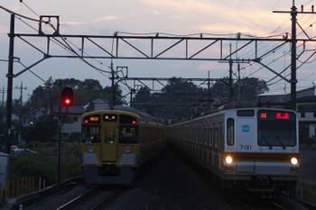 2016年6月21日 18時58分頃、元加治、メトロ7001Fの25S運用・上り回送。左は9106Fの2173レ。