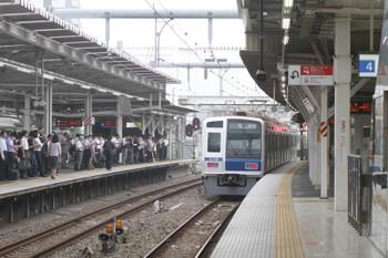 2016年6月30日 6時40分頃、所沢、4番ホームから発車した6108Fの上り回送列車。