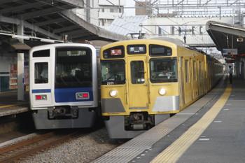 2016年7月18日、西所沢、6103Fの上り回送列車(14M運用)と2071Fの2153レ。