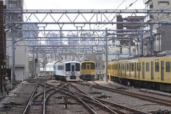 2016年9月10日、池袋、到着する4009Fの上り回送列車と電留線の2091F+2465Fなど。