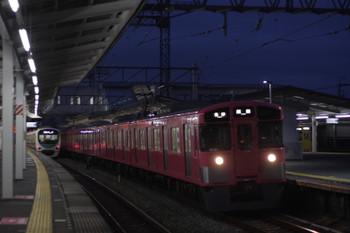 2016年10月5日、西所沢、9101Fの5103レと30101Fの3102レ。