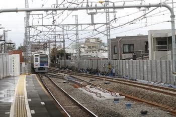 2016年10月9日13時16分頃、祐天寺、下りホームから横浜方を撮影。