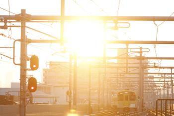 2016年10月16日 6時6分頃、石神井公園、緩行線ホームから発車し急行線へ転線する2063Fの上り回送列車。