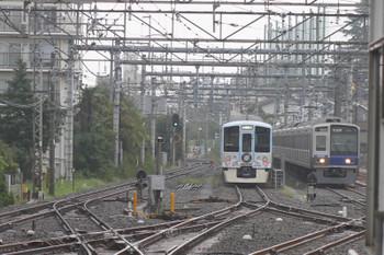 2016年9月18日、上石神井、6102Fの2623レと引き上げ線の4009F。