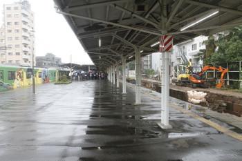 2016年10月8日12時15分頃、豊島園、2代目「銀河鉄道999デザイン電車」出発式を遠くから。