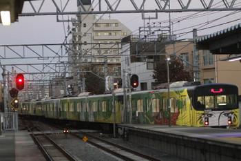 2016年12月3日 6時26分頃、東長崎、4番ホームから発車した20158Fの下り回送列車。