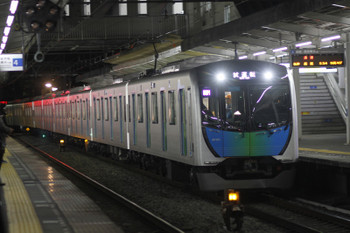 2016年12月12日 5時41分頃、西所沢、3番ホームを通過する40101Fの下り試運転列車。