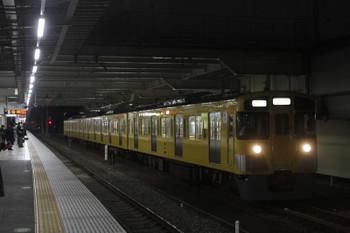 2016年12月13日 17時17分頃、所沢、6番線から下り方へ発車した2501Fの下り回送列車。