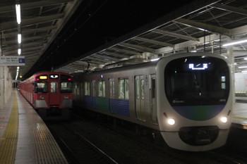 2017年1月3日 18時15分頃、入間市、9101Fの2168レと38112Fの下り回送列車。