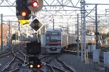 2017年1月1日、京成津田沼、京成成田ゆきの普通列車。