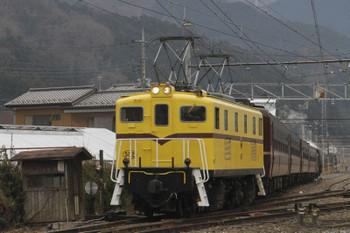 2017年1月8日11時22分頃、影森、黄色のデキ502が牽引し西武秩父駅へ折り返すSL列車の送り込み回送。