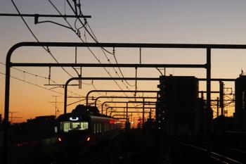 2017年2月4日 6時12分、練馬、38111Fの上り回送列車。