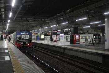 2017年1月21日、所沢、20158F(999)の5204レと多摩川線へ向かう1249F。