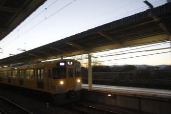 2017年2月12日、入間市、発車した2089Fの1002レ。