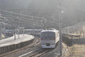 2017年3月18日、吾野、先に到着した10107Fの70レと4015Fの5009レ。