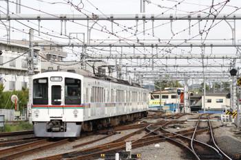 2017年4月27日 16時11分頃、飯能、秩父方から到着する4005Fの上り回送列車。