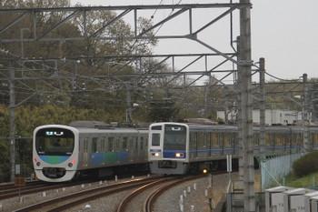 2017年4月9日 17時44分頃、6111Fの下り回送列車と38103Fの4140レ。