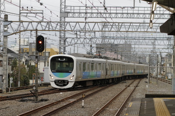 2017年4月9日 17時5分頃、小手指、1番ホームに到着する38101Fの下り回送列車。