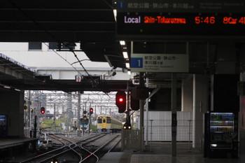 2017年5月1日 5時30分頃、所沢、2051Fの新宿線・上り回送列車と空いている東側の電留線。
