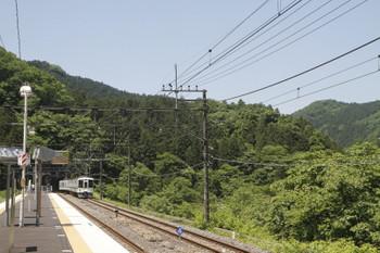 2017年5月20日 10時42分頃、芦ヶ久保、発車した4023Fの下り回送列車。