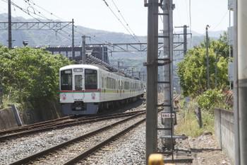 2017年5月20日 11時15分頃、御花畑、西武・秩父鉄道連絡線へ入り芦ヶ久保駅へ向かう4023Fの回送列車。