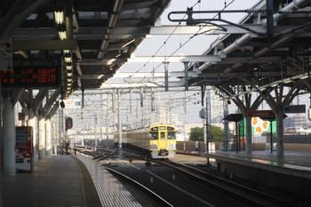 2017年5月30日 6時2分頃、石神井公園、3番ホームへ到着する2063Fの上り回送列車。